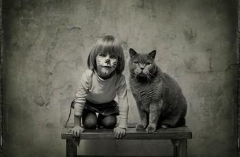 O amor entre uma menina e seu gato, uma série de fotografias que você jamais vai esquecer
