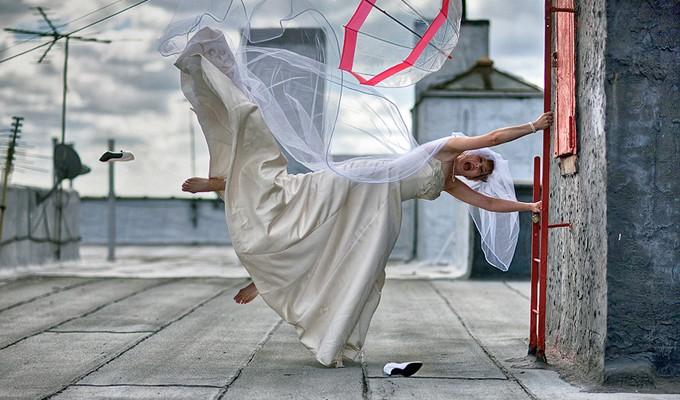Está pensando em casar? Confira a fotógrafo de casamento mais bem humorado que você já viu