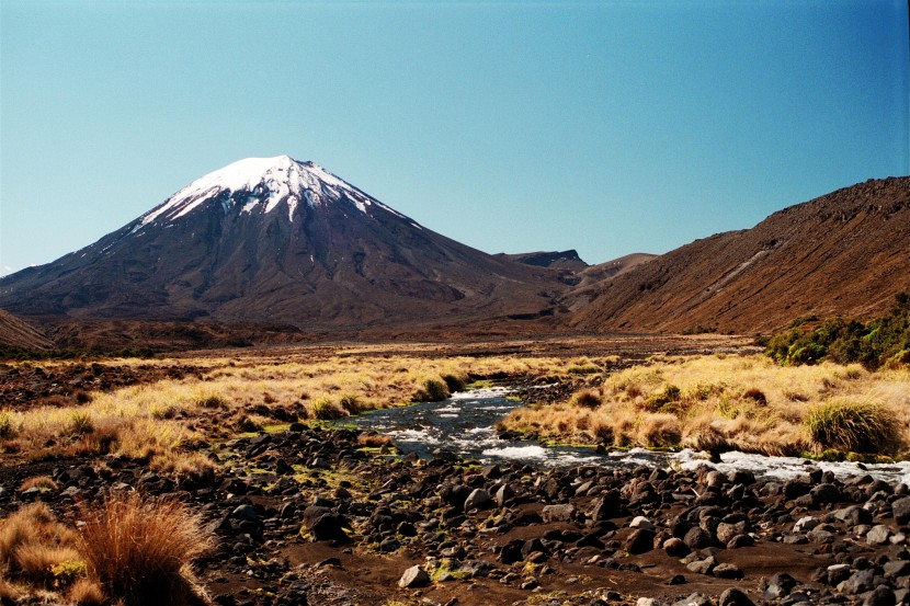 New-Zealand-North-Island-Wellington-district-Mt-Ngauruhoe-snow-capped-peak-2-MB