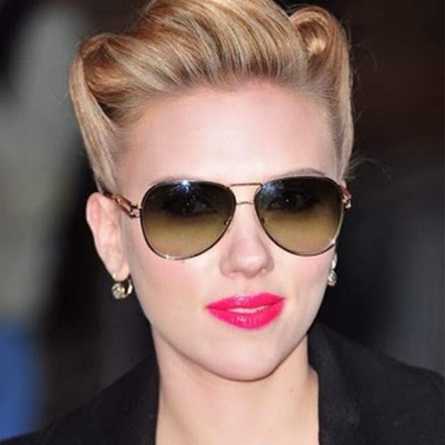Estilo aviador - Scarlett Johansson
