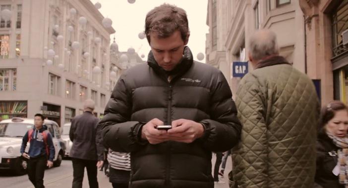 Você dá amor ou curtidas?: Um vídeo sobre a geração on-line perder o melhor da vida