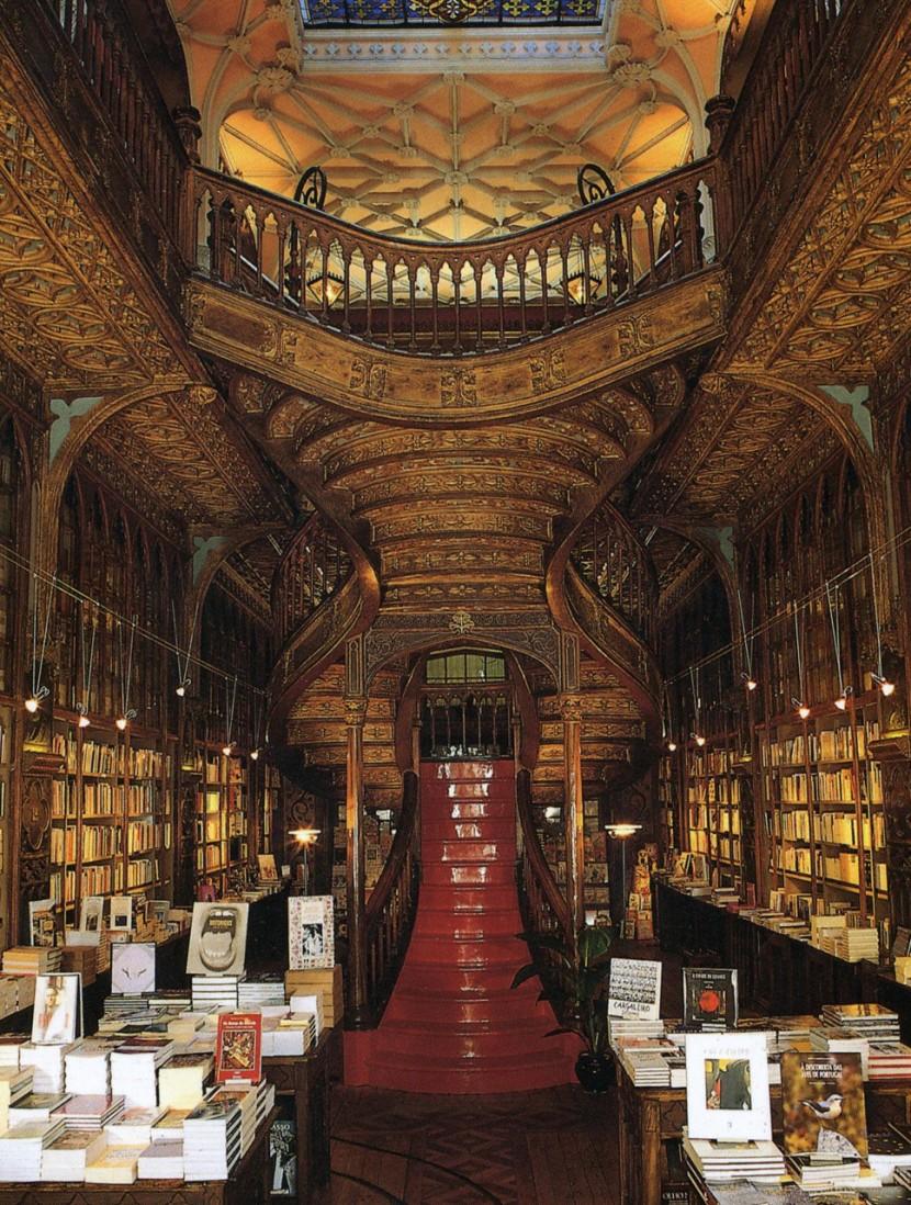 1. Livraria Lello, Porto, Portugal
