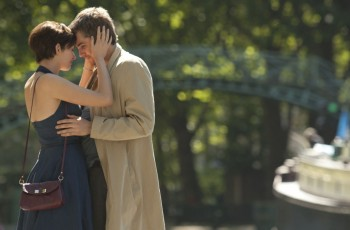"""""""Um dia"""" é tanta coisa: um filme, um amor, uma despedida..."""