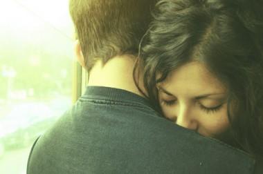 Aquele abraço que nos salva do fim do mundo